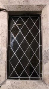 vitrail de l'escalier de la tribune