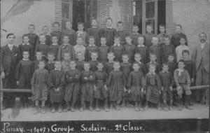 Photo d'école 1907 Ernest Maisse se trouve à droite.