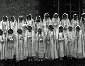 1939 - communion