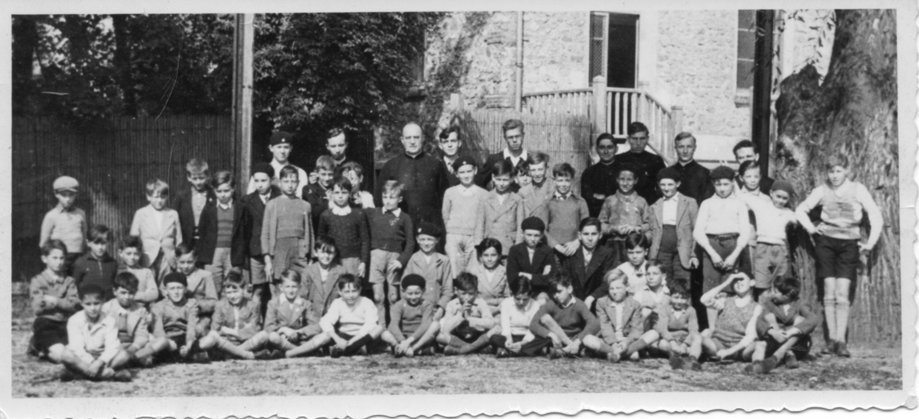 http://www.pussayetsonpays.fr/wp-content/uploads/2012/03/1936-Retraite-enfants-de-choeur.jpg